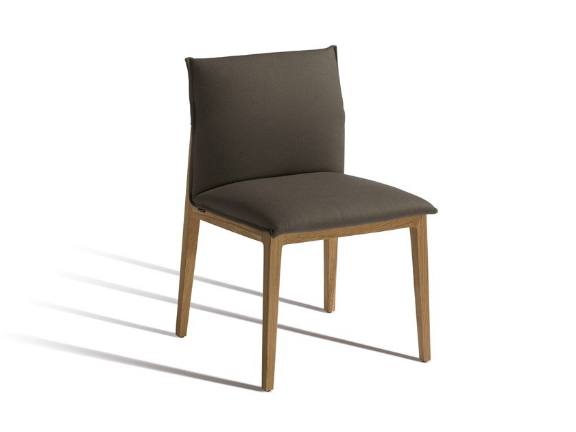 Upholstered fabric chair SHE 581 by Capdell
