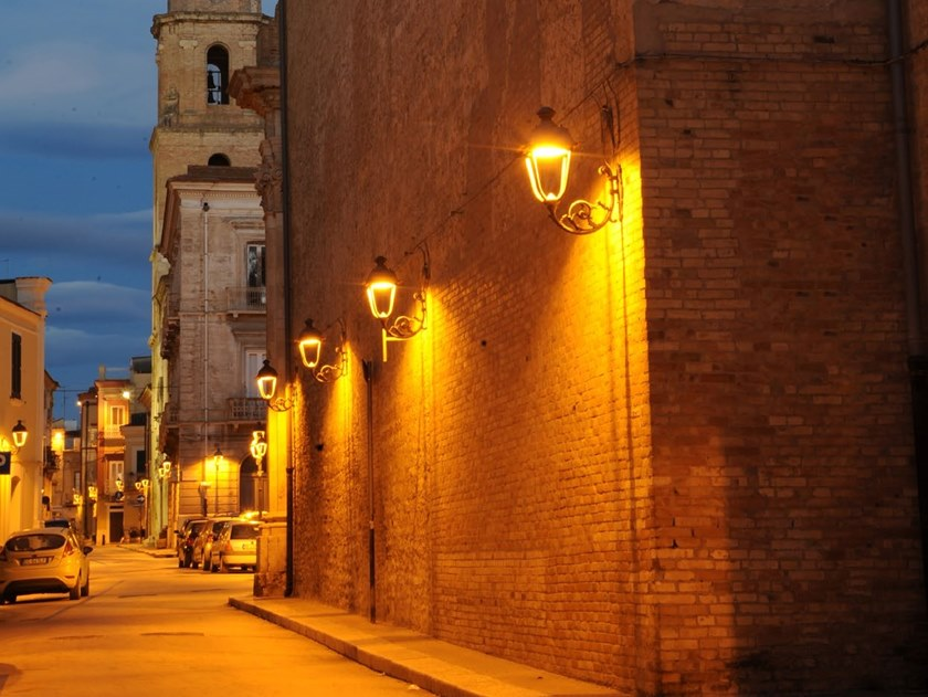 Lantern wall-mounted street lamp SHELIAK   Wall-mounted street lamp by Neri