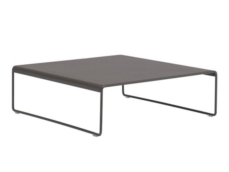 Sled base low steel coffee table SIESTA OUTDOOR ME4753 by Andreu World
