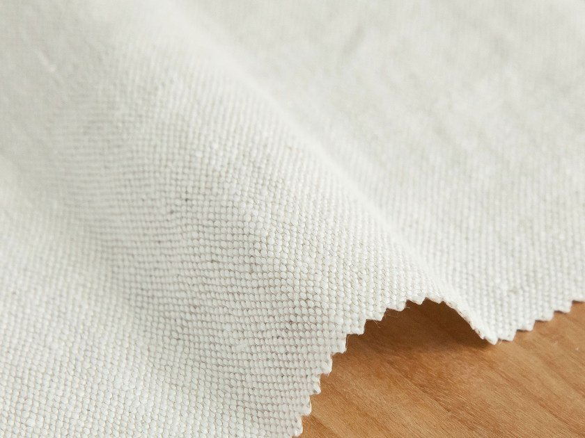 Solid-color linen fabric SINUA by Equipo DRT
