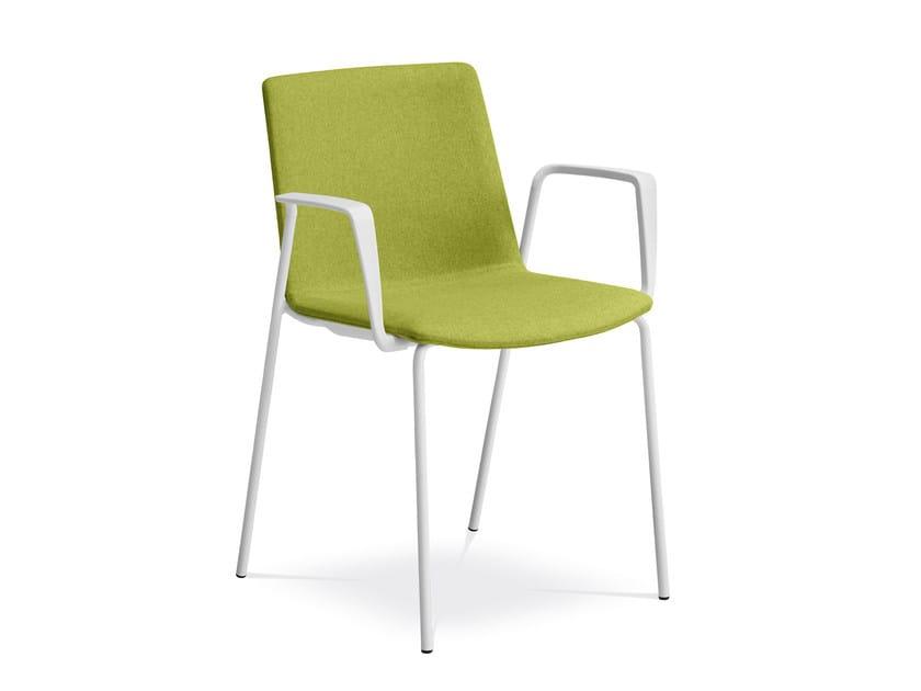 Sedia imbottita in tessuto con braccioli per sale d'attesa SKY FRESH 055-N0/BR-N0 by LD Seating