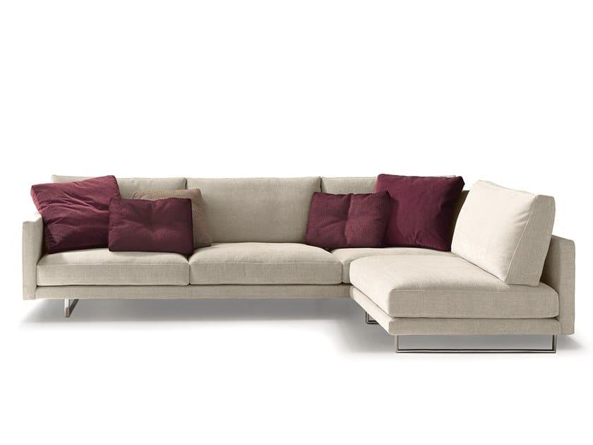 Divano componibile in tessuto con chaise longue SLIM NEW   Divano componibile by VALENTINI