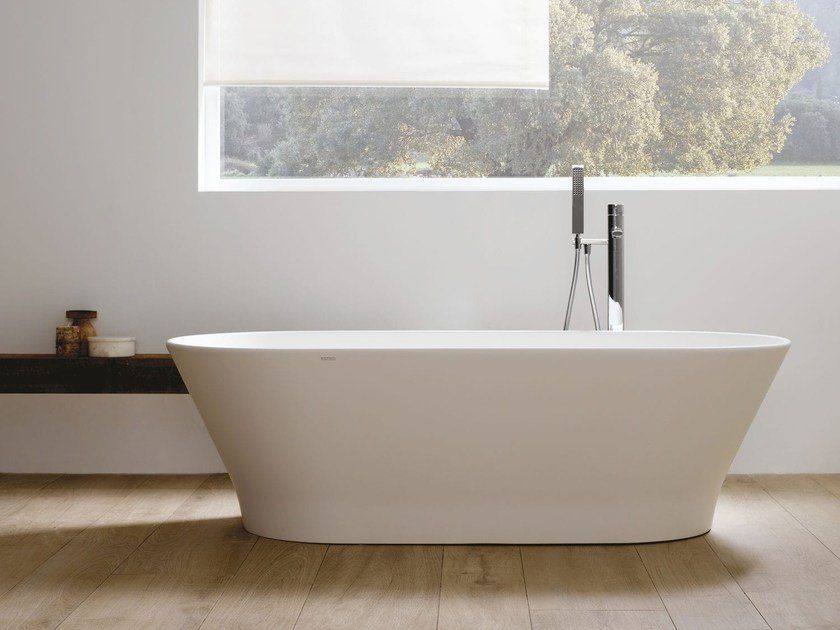 Freestanding oval Krion® bathtub SLIM by Systempool