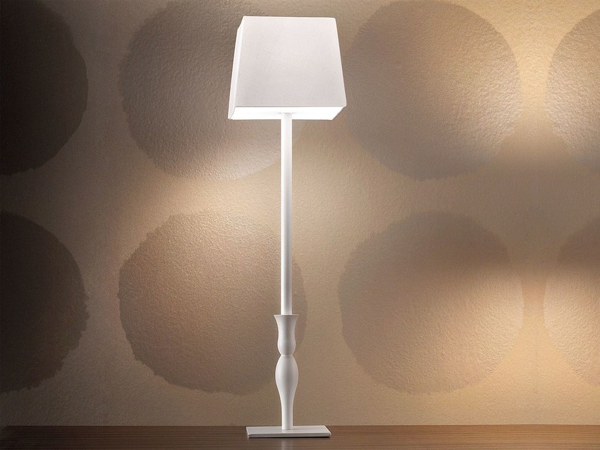 Contemporary style direct light metal table lamp SLIM | Table lamp by Masiero
