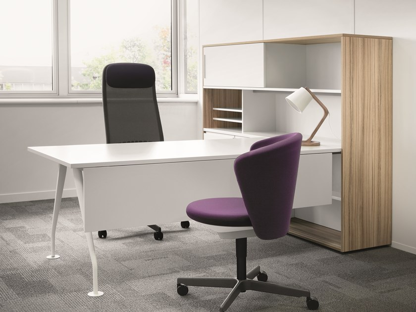 Executive desk with shelves SLOPE | Office desk with shelves by BENE
