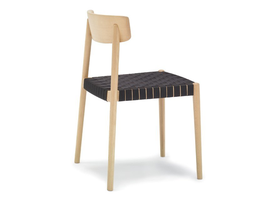 Stackable beech chair SMART SI0612 by Andreu World