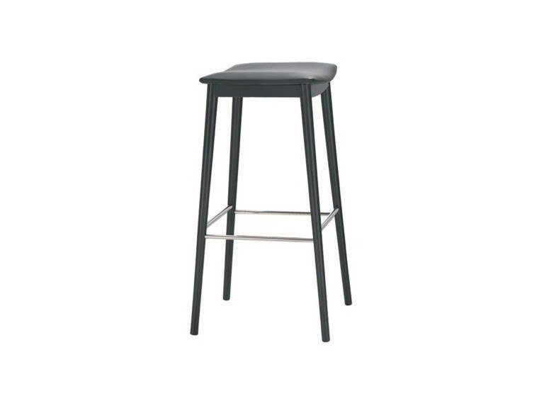 High beech stool with integrated cushion with footrest SMILE BQ0339 / BQ0350 by Andreu World