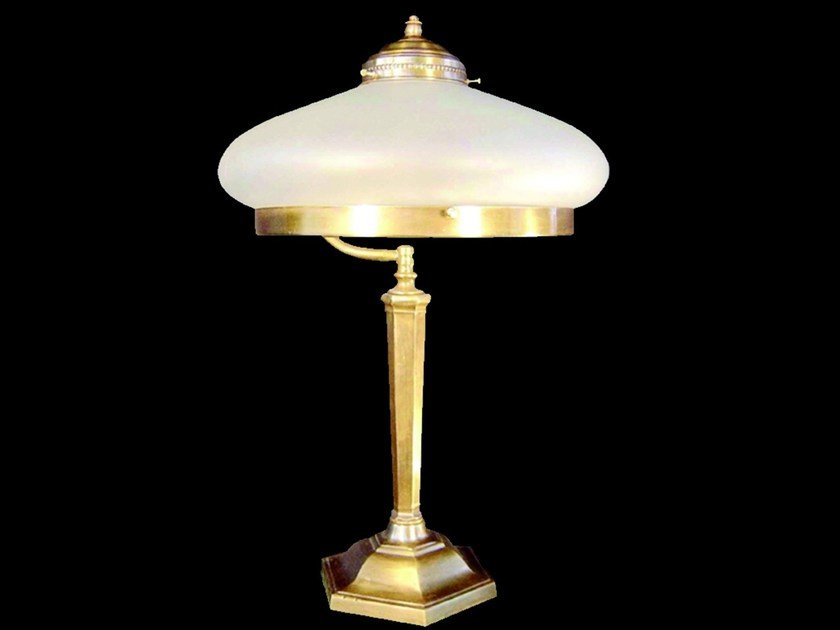 Direct light handmade brass table lamp SNOOKER III | Table lamp by Patinas Lighting