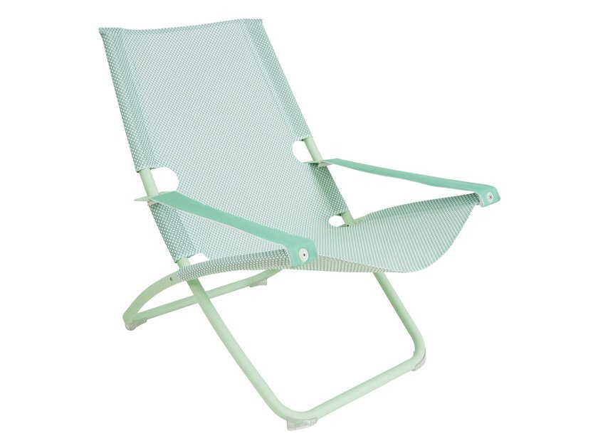 Folding deck chair with armrests SNOOZE | Deck chair by emu