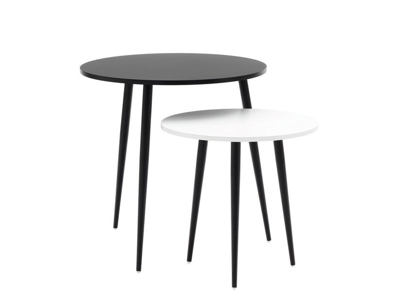 Round MDF side table SOHO | Side table by COEDITION