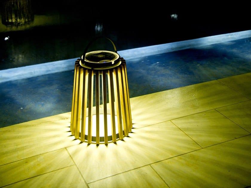 Lanterna ad energia solare in teak SOLARE | Lanterna in teak by Unopiù