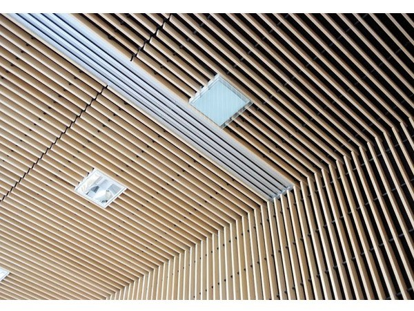 Solid wood ceiling tiles SOLID WOOD - GRILL by HunterDouglas Architectural