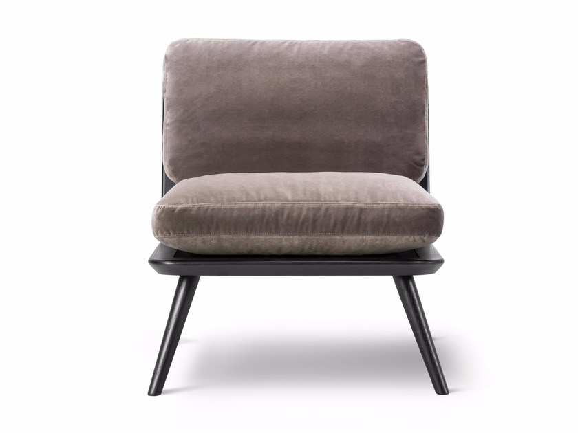 Fabric easy chair SPINE LOUNGE PETIT by FREDERICIA FURNITURE