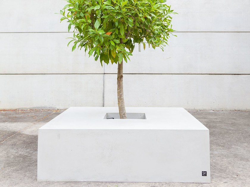Low concrete Flower pot SQUARE (150) by SIT