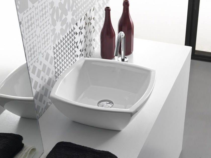 Countertop square ceramic washbasin SQUARE by Hidra Ceramica