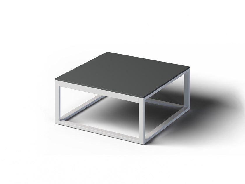 Square garden side table FORMAL | Square coffee table by Laubo