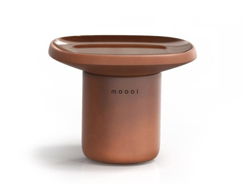 Low square ceramic coffee table OBON | Square coffee table by moooi