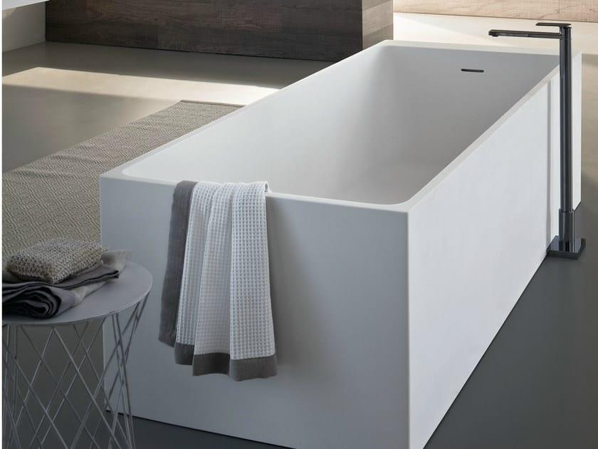 Freestanding rectangular bathtub SQUARE by Idea