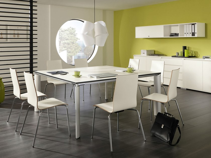 Square meeting table PALMA   Square meeting table by PALMBERG