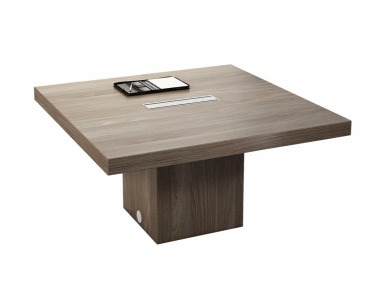 Square meeting table with cable management T45 | Square meeting table by Quadrifoglio