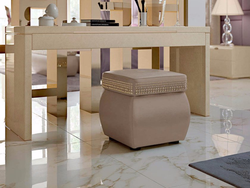 Upholstered square leather pouf STARDUST | Square pouf by Turri