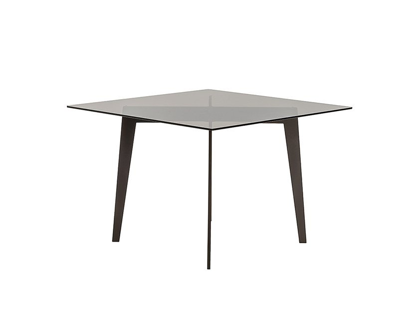 Square garden table MOOD | Square table by Braid