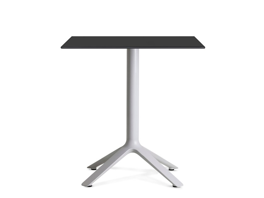 Square dining table EEX | Square table by TOOU