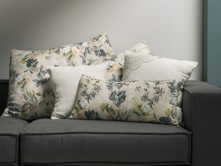 Linen cushion with floral pattern STAMPA ERBARIO | Cushion by LA FABBRICA DEL LINO