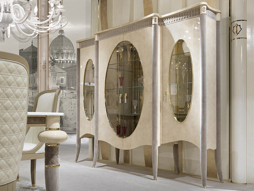 Lacquered wooden display cabinet CARACTERE | Display cabinet by Turri