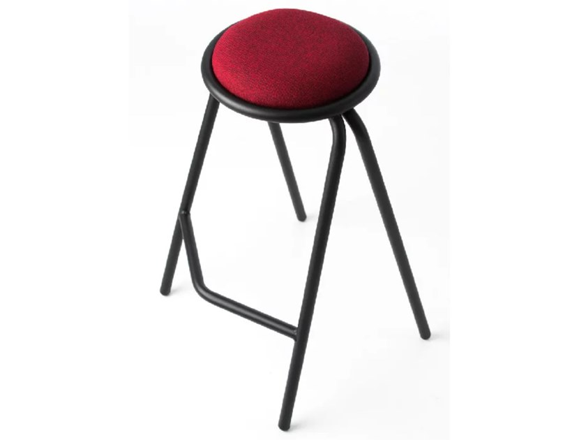 Trevira® CS stool with integrated cushion PASTILLE | Stool by AIRBORNE
