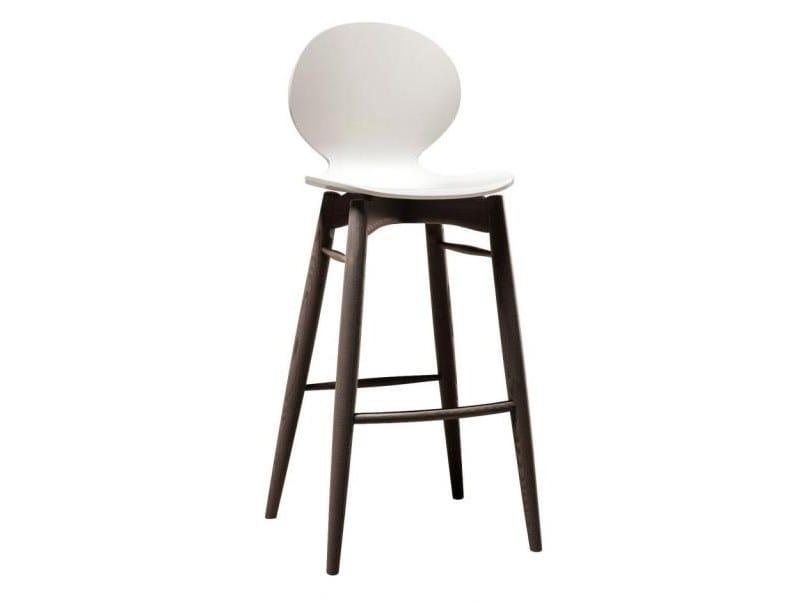 High beech stool MUSA | Stool by Cizeta L'Abbate