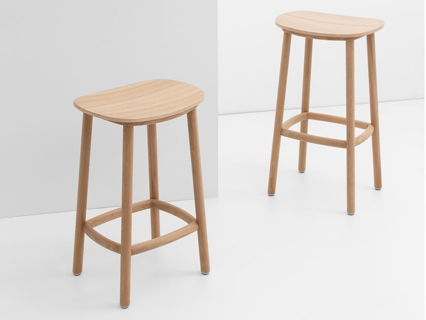Wooden stool PADDLE | Stool by CRUSO