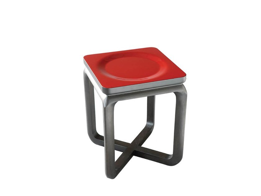 Low stool HO | Stool by HC28