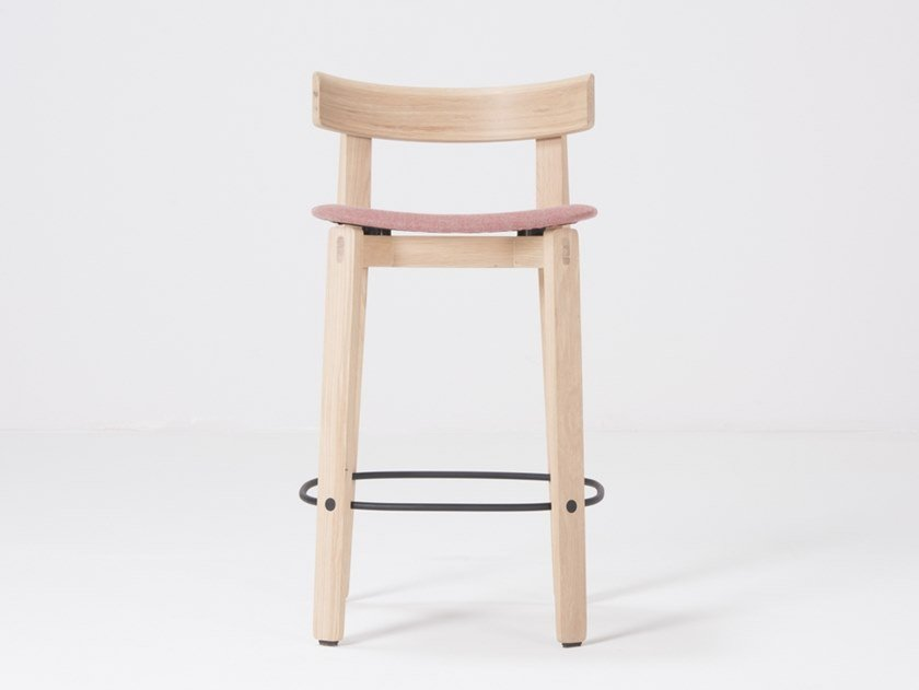 Oak barstool with back NORA | Stool with back by Gazzda