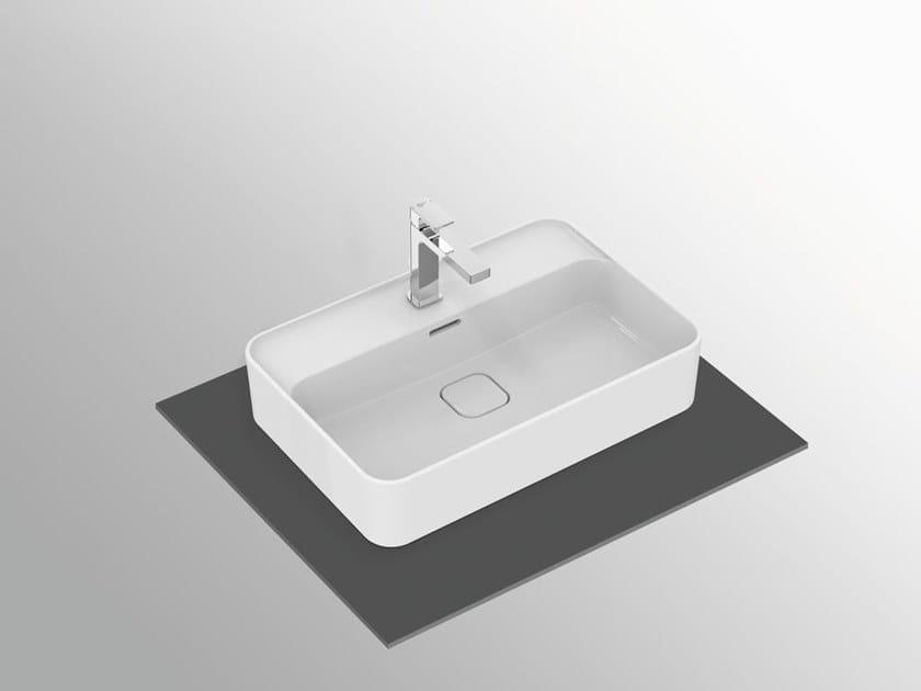 Vasque à poser rectangulaire en céramique avec trop-plein STRADA II - T2998 by Ideal Standard