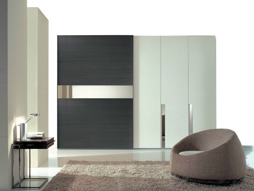 Lacquered wardrobe with sliding doors STRIP+PIANA by Fimar