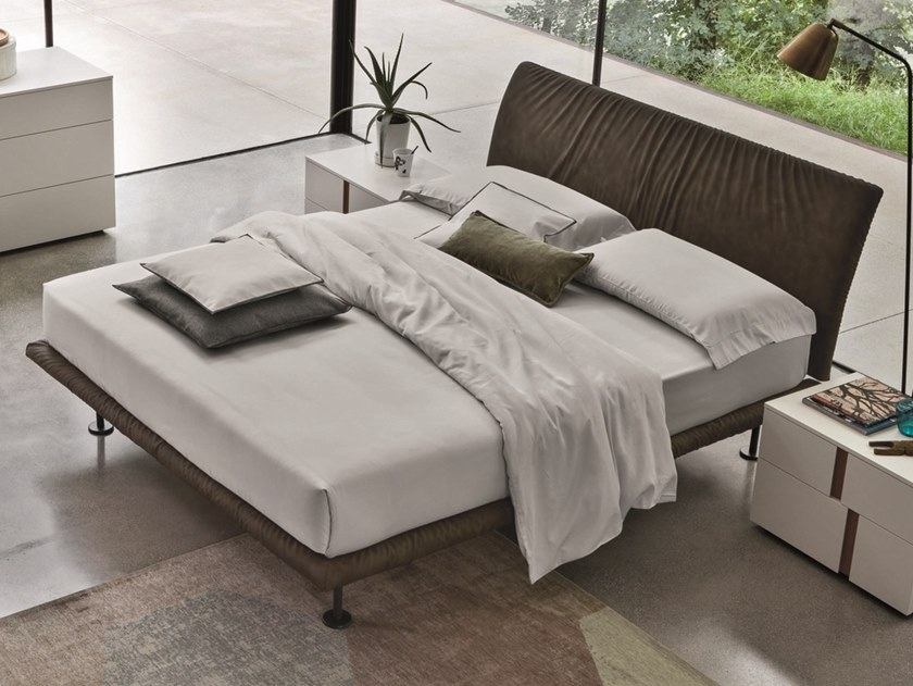 Upholstered leather double bed STROPICCIO | Leather bed by Gruppo Tomasella