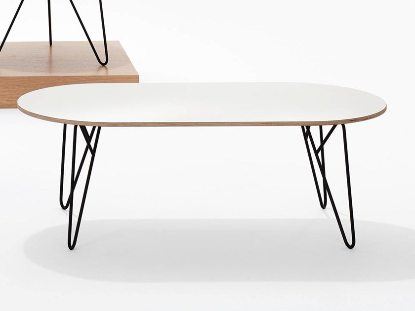 Oval coffee table STUDIO | Oval coffee table by BENE