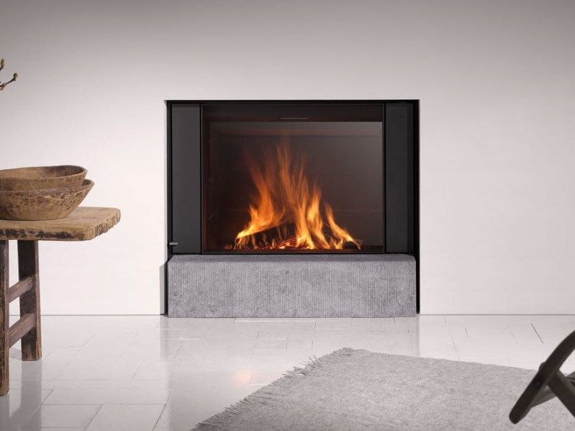 Wood-burning built-in fireplace with panoramic glass STÛV 22-90 H by Stûv