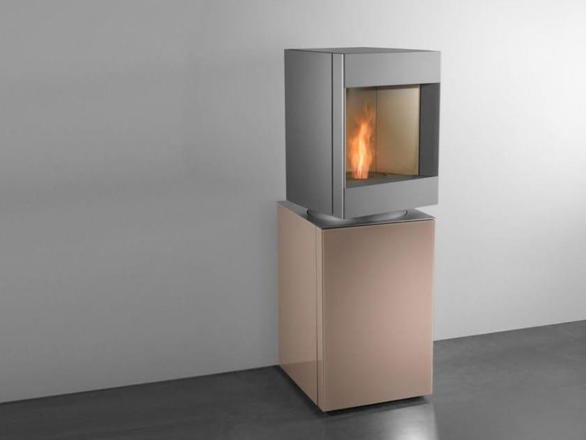 Pellet swivel stove STÛV P-10 by Stûv