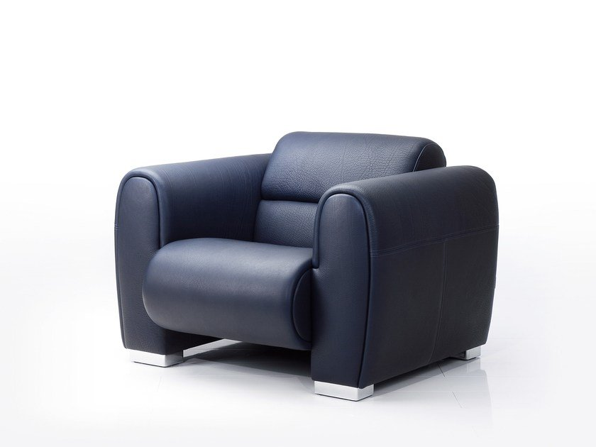 Leather armchair with armrests SUMO | Armchair by brühl