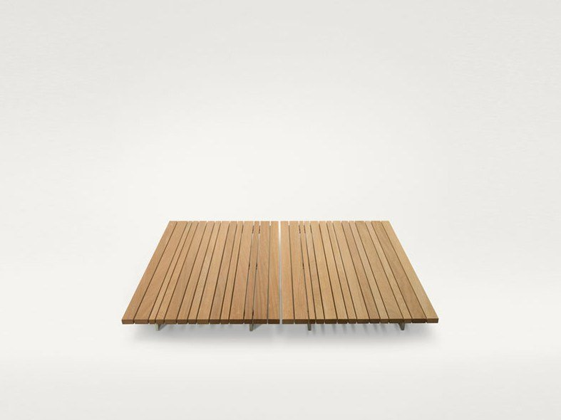 Low square wooden coffee table SUNSET | Square coffee table by paola lenti