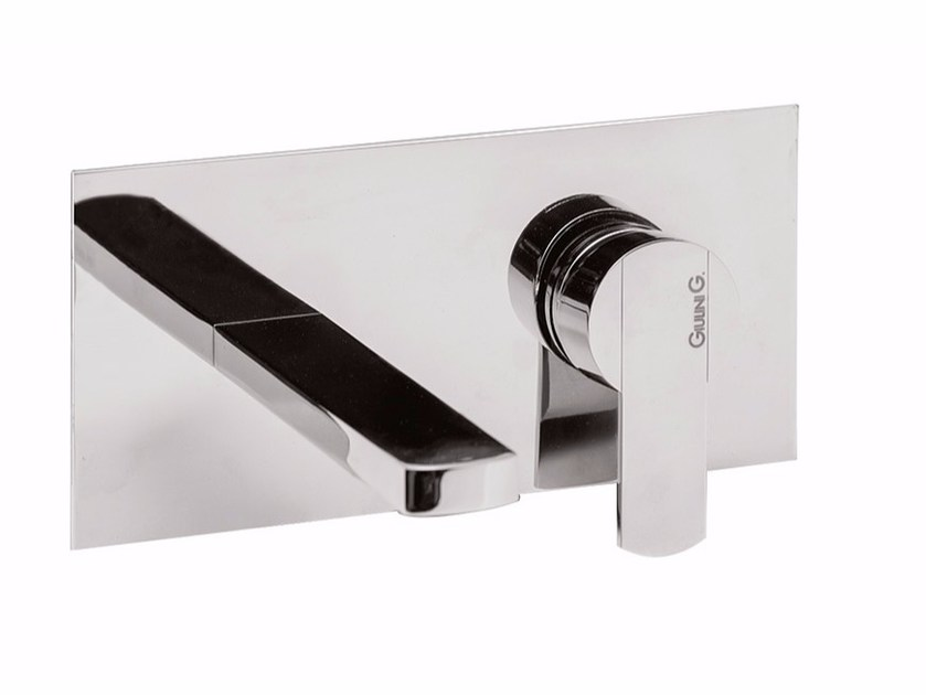 2 hole wall-mounted washbasin mixer with plate SURF - F5810 by Rubinetteria Giulini