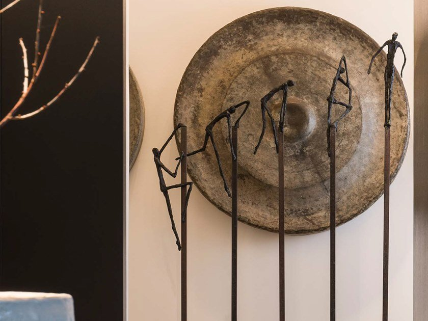 Bronze sculpture SURPASS by Gardeco