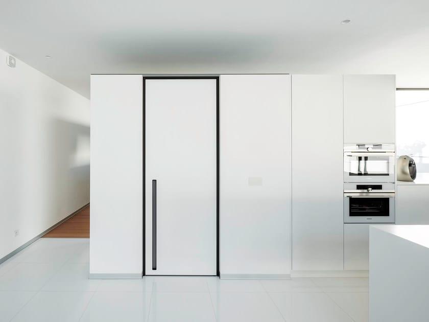 Porta a bilico in HPL con cerniere a scomparsa SVD BKO by Anyway Doors