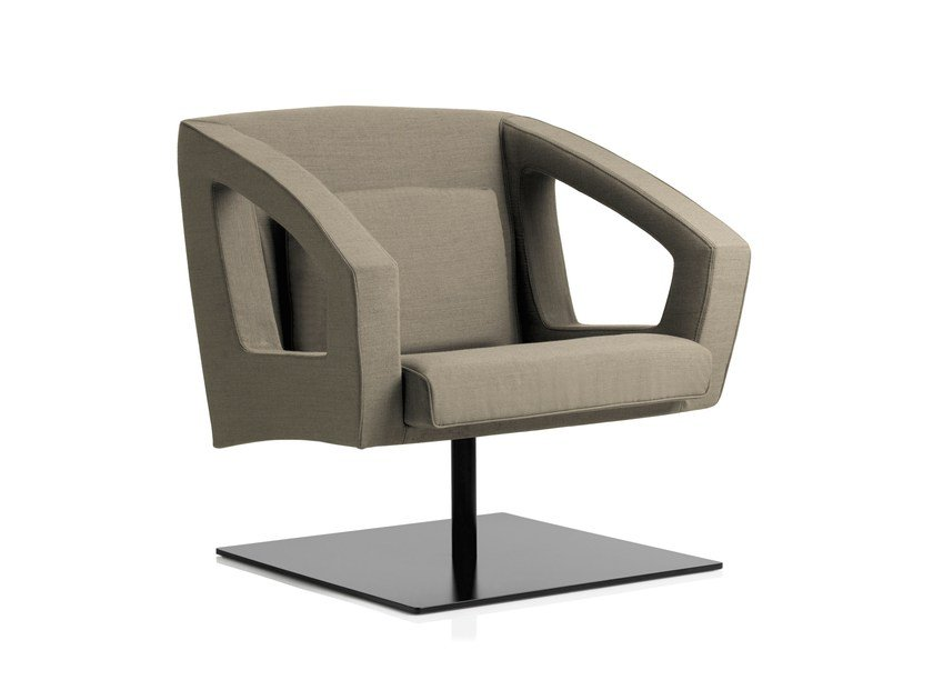 Swivel armchair with armrests BUSINESS CLASS LOUNGE | Swivel armchair by Emmegi