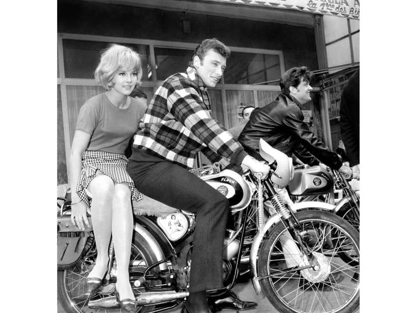 Stampa fotografica SYLVIE VARTAN E JOHNNY HALLYDAY NEL 1963 by Artphotolimited