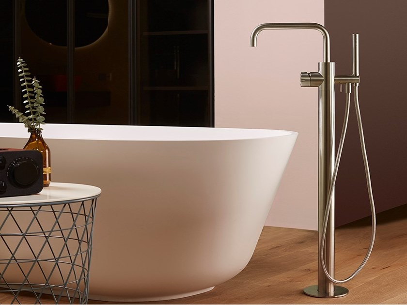Floor standing stainless steel bathtub mixer with hand shower SYNTH | Floor standing bathtub mixer by MINA