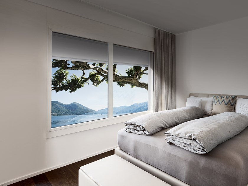 Box roller blind with guide system T.2T ZIP SUN by Fanani