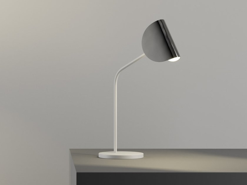 Metal table lamp IO+ | Table lamp by FontanaArte